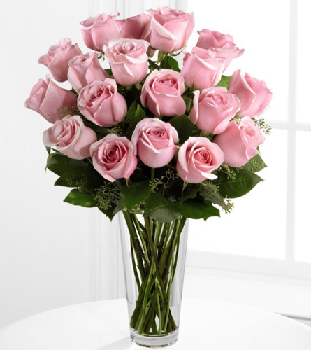 FTD's Deluxe Pink Rose Arrangement